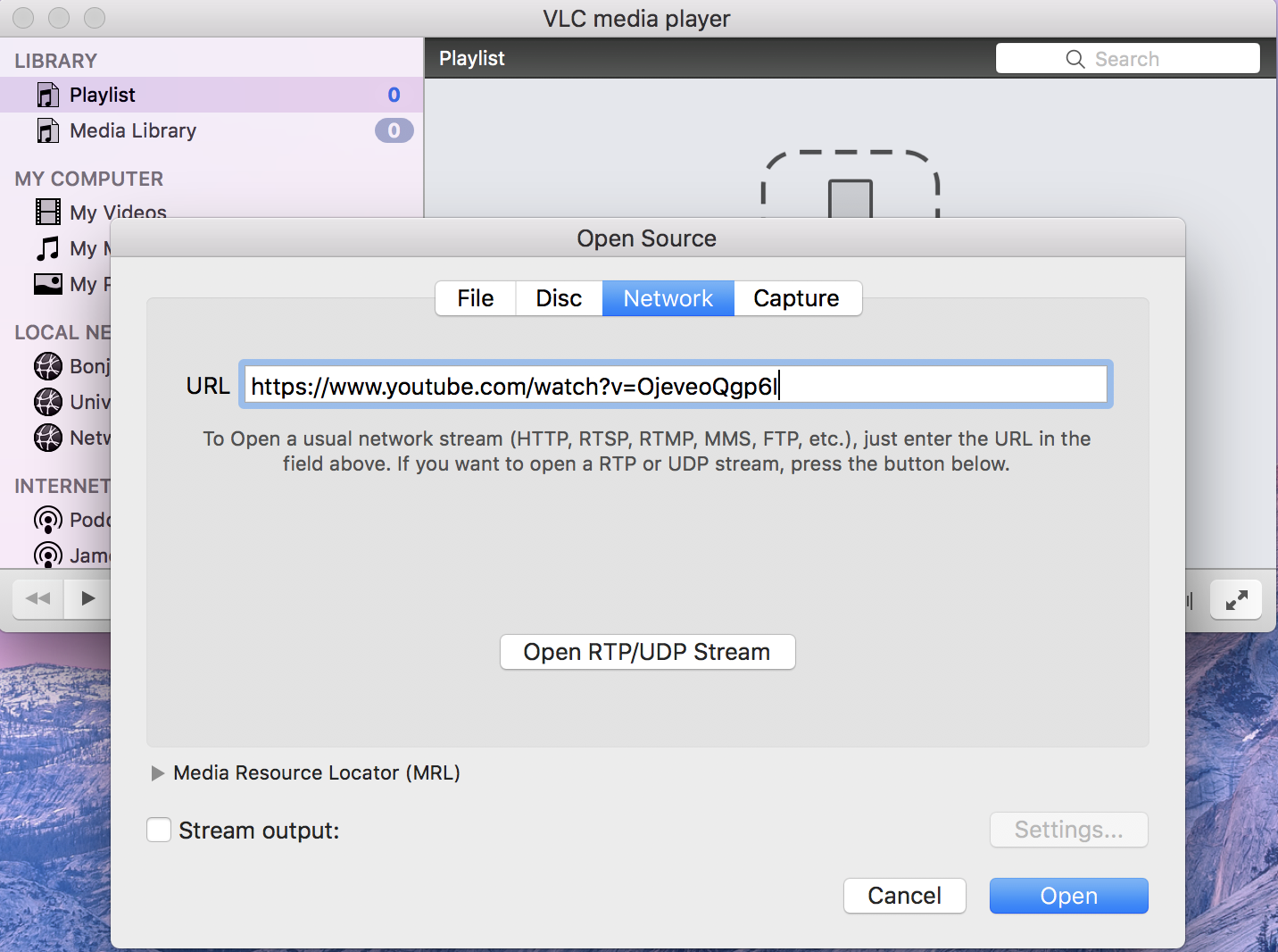 Pegando la URL en el reproductor multimedia VLC para descargar el video de YouTube