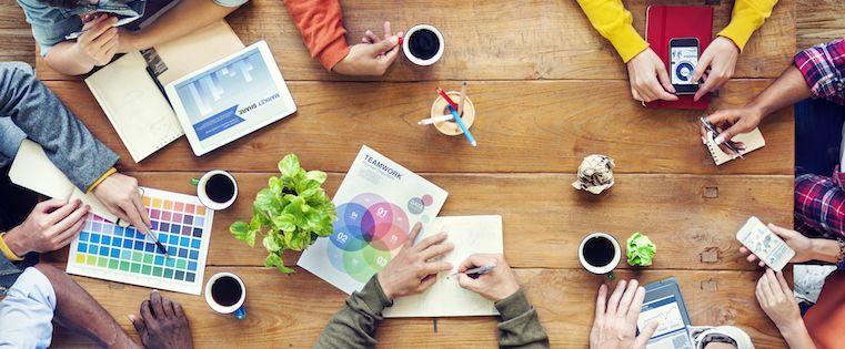 12 técnicas de lluvia de ideas para descubrir mejores ideas de tu equipo  – Veeme Media Marketing