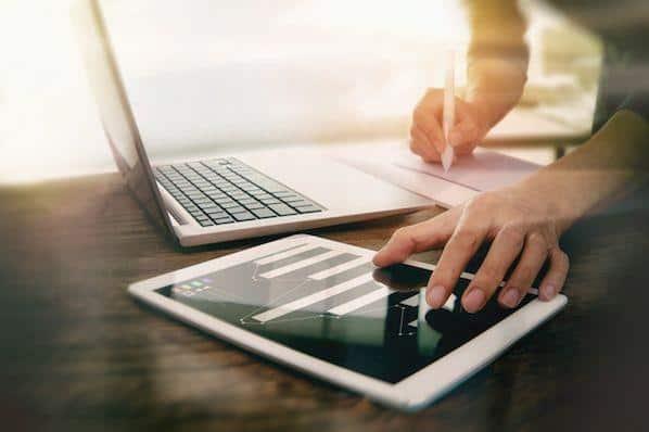 Cómo agregar un eje secundario a un gráfico de Excel  – Veeme Media Marketing