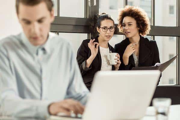 29 de las mejores bromas de oficina y bromas prácticas para usar en el trabajo  – Veeme Media Marketing