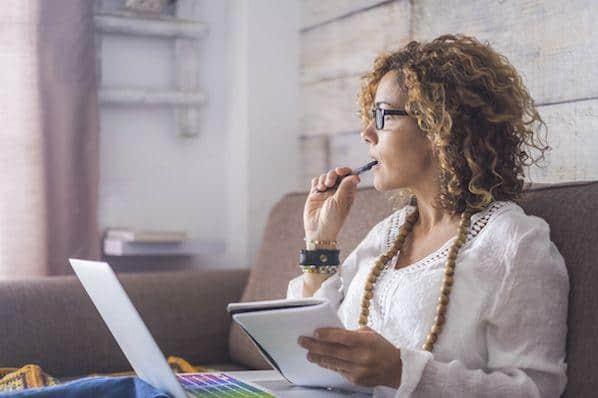 La lista del escritor profesional de palabras de transición y frases  – Veeme Media Marketing